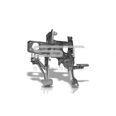 Блок педалей тормоза и сцепления Foton 1049А 1104935400002
